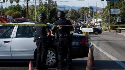 Policía de Los Ángeles revela video de la persecución y el tiroteo antes del atrincheramiento en Trader Joe's