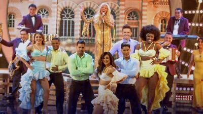 Yuri pone a bailar a los participantes de MQB All Stars con la auténtica cumbia mexicana de Los Ángeles Azules