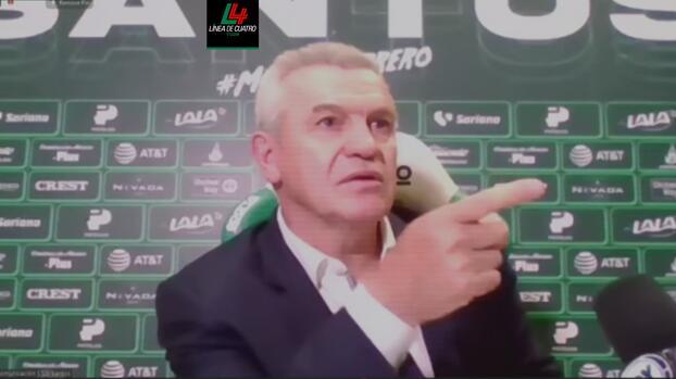 """Aguirre detiene conferencia: """"¿Y ustedes quiénes son?; son un chingo"""""""