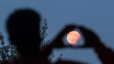 Te decimos cómo puedes apreciar el espectáculo del eclipse total de luna en Houston este domingo
