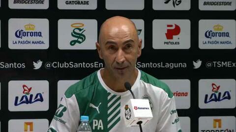Pako Ayestarán niega presión en Santos por no ganar en casa