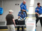 Escenas de caos en el aeropuerto de Orlando por la trágica muerte de un funcionario de seguridad