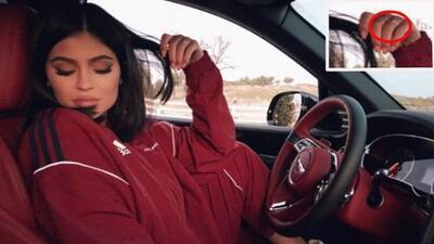Kylie Jenner alborota el avispero de dudas al compartir una foto presumiendo un discreto anillo