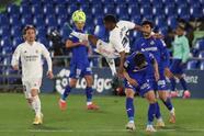 Real Madrid y Getafe empatan a ceros durante el encuentro correspondiente a la Jornada 33, disputado en el Coliseum Alfonso Pérez. Los 'Merengues' se alejan tres puntos de la cima con este resultado en LaLiga.