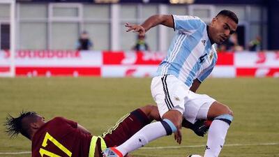 Gabriel Mercado viajó a España para concretar su llegada al Sevilla