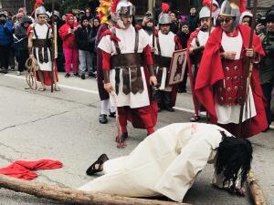 Así se vivió en Chicago la procesión del Vía Crucis en Pilsen