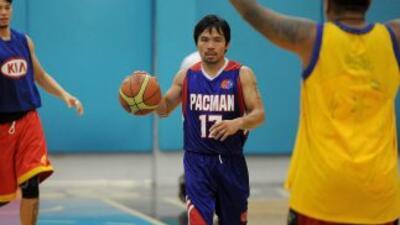 Manny Pacquiao por fin debutó como basquetbolista profesional