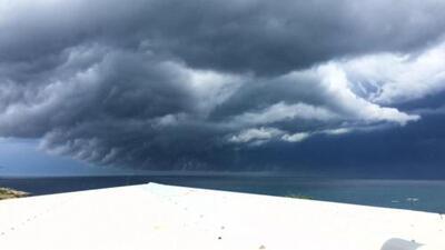 Inmensa nube cubrió el cielo en Australia