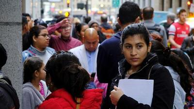 Atasco gigantesco: unas 100,000 audiencias en cortes de inmigración fueron canceladas por el cierre parcial del gobierno