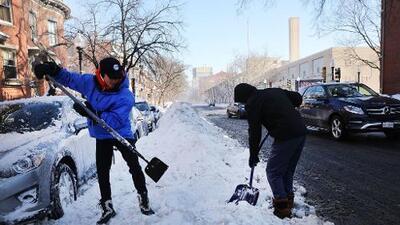 Ola de frío glacial azota Estados Unidos, ahora bajo amenaza de lluvia helada