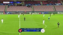 Tarjeta amarilla. El árbitro amonesta a Perr Schuurs de Ajax.