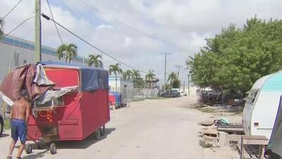 Comienzan a irse los depredadores sexuales que vivían en un campamento improvisado en Miami-Dade