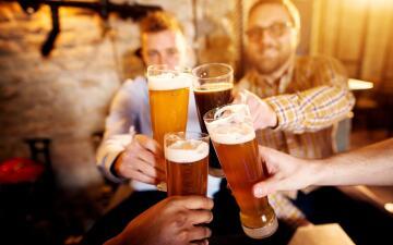 Estas ciudades de California quieren permitir la venta de alcohol hasta las 4:00 am y pronto podrían lograrlo
