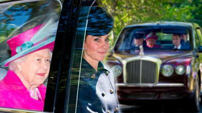 Sin niños ni Meghan Markle, la reina Isabel II y Kate Middleton fueron juntas a la iglesia
