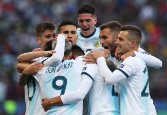 En fotos: Argentina le gana a Chile el tercer puesto de la Copa América en una auténtica batalla
