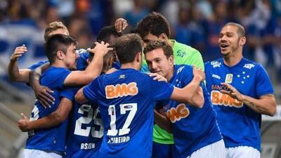 Cruzeiro regresa a la victoria y sigue de líder, Sao Paulo cae y se aleja