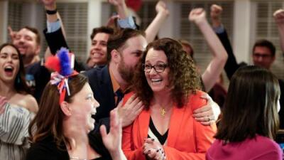 Mujeres demócratas arrasan en varias primarias celebradas en cuatro estados