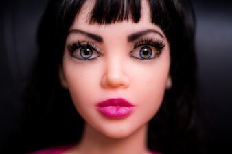Fotos: Un burdel atendido completamente por muñecas sexuales