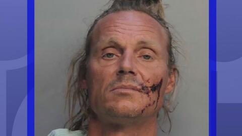 A corte el hombre acusado de golpear a un hispano con un palo de metal en la Pequeña Habana