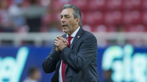 Tomás Boy alargó la rueda de prensa para pedir disculpas a los fans de Chivas