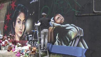 El bebé de Marlen Ochoa Urióstegui queda retratado al lado de ella en su mural de Pilsen