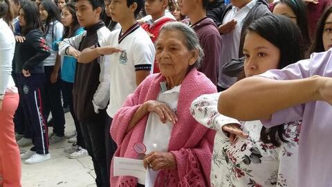 Conoce a la abuelita que a sus 96 años va a la escuela secundaria en Chiapas y quiere ser maestra