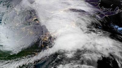 Un poderoso 'ciclón bomba' pone en alerta al noreste de EEUU y el consejo vota sobre el cierre de Rikers