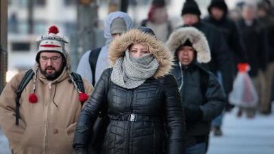 Habitantes de Chicago intentan retomar la normalidad tras superar los efectos del vórtice polar
