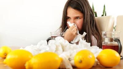Remedios caseros para curar la tos de los niños (y por qué debes evitar darles jarabe)