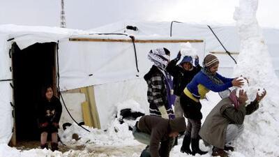Mueren de frío 15 niños desplazados de Siria (entre ellos 13 bebés)