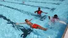 Mantener tu piscina limpia este verano puede costarte más que en años anteriores: te contamos por qué