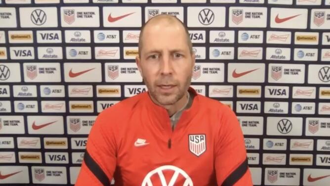 Berhalter no guarda rencor hacia Efraín Álvarez por jugar con México