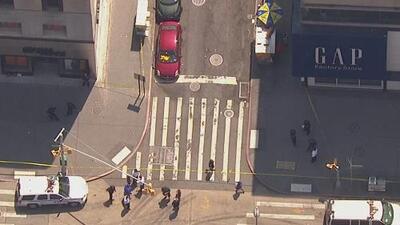 Tiroteo en un centro comercial de Brooklyn siembra el pánico entre la comunidad y deja tres personas heridas