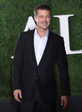 Brad Pitt reaparece en una alfombra roja tras su divorcio