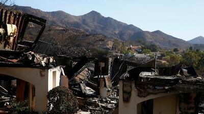 Ofrecen bolsas de arena para proteger las viviendas de posibles deslaves en zonas incendiadas