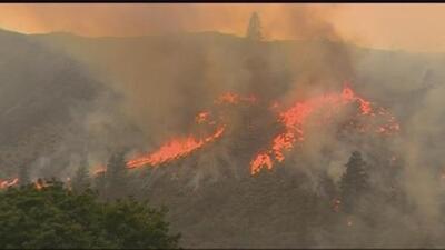 Fuego de Okanogan continúa expandiéndose