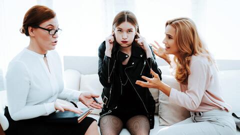 ¿Cómo enfrentar los terribles 13? Consejos que pueden aplicar los padres para guiar a un adolescente rebelde