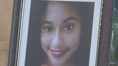 Ofician misa en memoria de la joven que apareció muerta dentro de una maleta hace un año