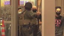 Reportan que un joven se disparó a sí mismo dentro del centro comercial Great Mall