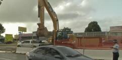 Deslizamiento de tierra genera un conflicto vial en la reparación de la troncal sanitaria en Bayamón