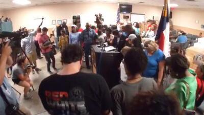Iglesia ofrece refugio a inmigrantes ante anuncio de deportaciones masivas en Houston