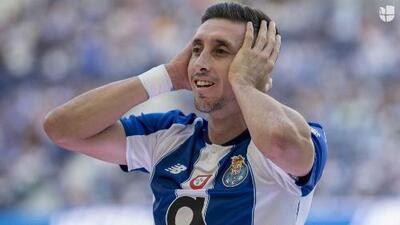 Al director deportivo de la Roma le aprueban el fichaje de Héctor Herrera