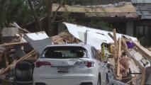 """""""Algunos de mis vecinos son héroes"""", habitantes de Naperville tras el paso de devastador tornado"""