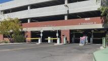 Un estudiante fue asesinado en un estacionamiento en la Universidad de Arizona