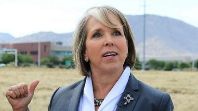 Por qué la gobernadora de Nuevo México desafía a Trump retirando tropas de la frontera