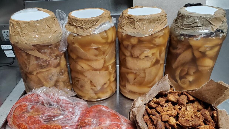 Tamales, chorizo y chicharrón: el otro contrabando que entra a EEUU (a veces sin saberlo)