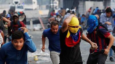 En un minuto: Tensión en Venezuela tras nuevo llamado de Guaidó y Maduro a salir a las calles