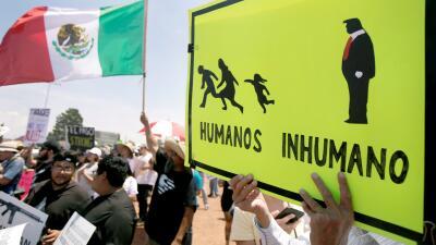"""""""Trump no es bienvenido"""": residentes de El Paso reciben al presidente con protestas (fotos)"""