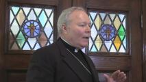 """""""Es una situación perturbadora"""": obispo Edward Burns sobre allanamientos a las instalaciones de la Diócesis de Dallas"""