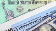 Miles de dólares en alivios tributarios: te explicamos qué créditos del IRS pueden ayudarle a las familias elegibles